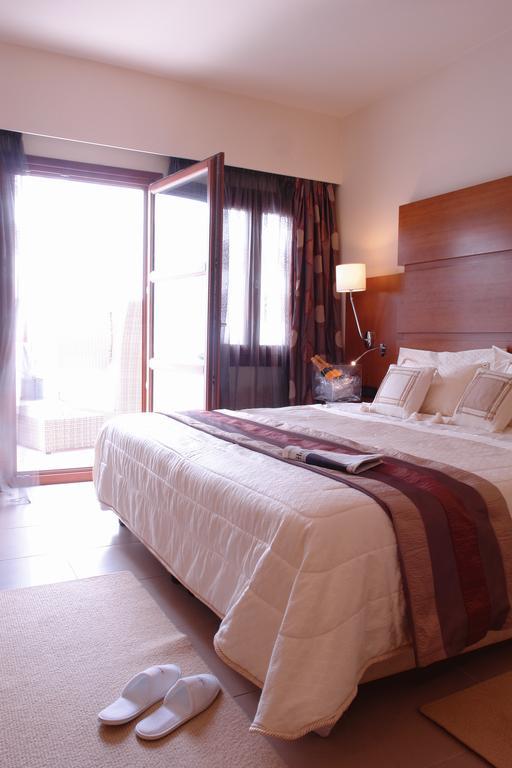 aressana room.jpg